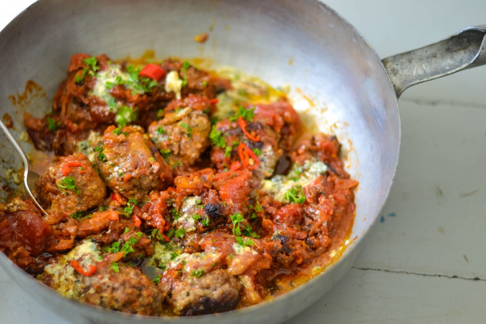 SMOKED PAPRIKA & BEEF MEATBALLS WITH BLUE CHEESE - My Weekend Table