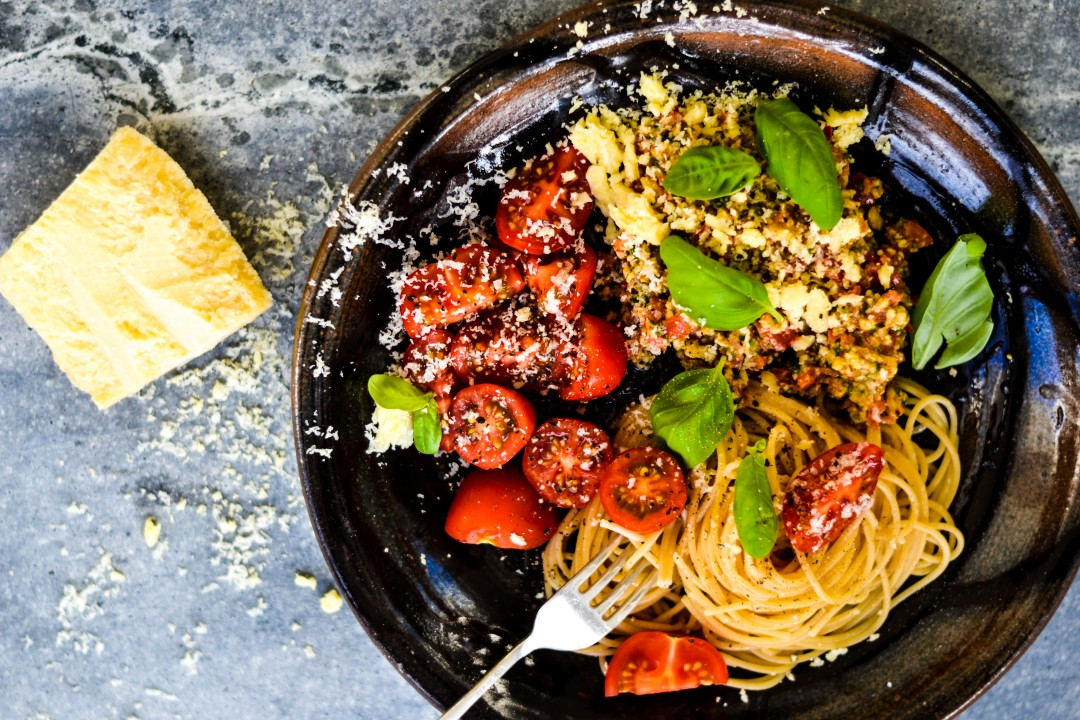 Almond basil tomato spaghetti my edit of jamie olivers best almond basil tomato spaghetti my edit of jamie olivers best recipe forumfinder Images